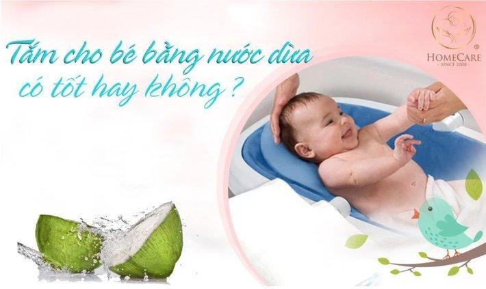 tắm nước dừa cho trẻ sơ sinh